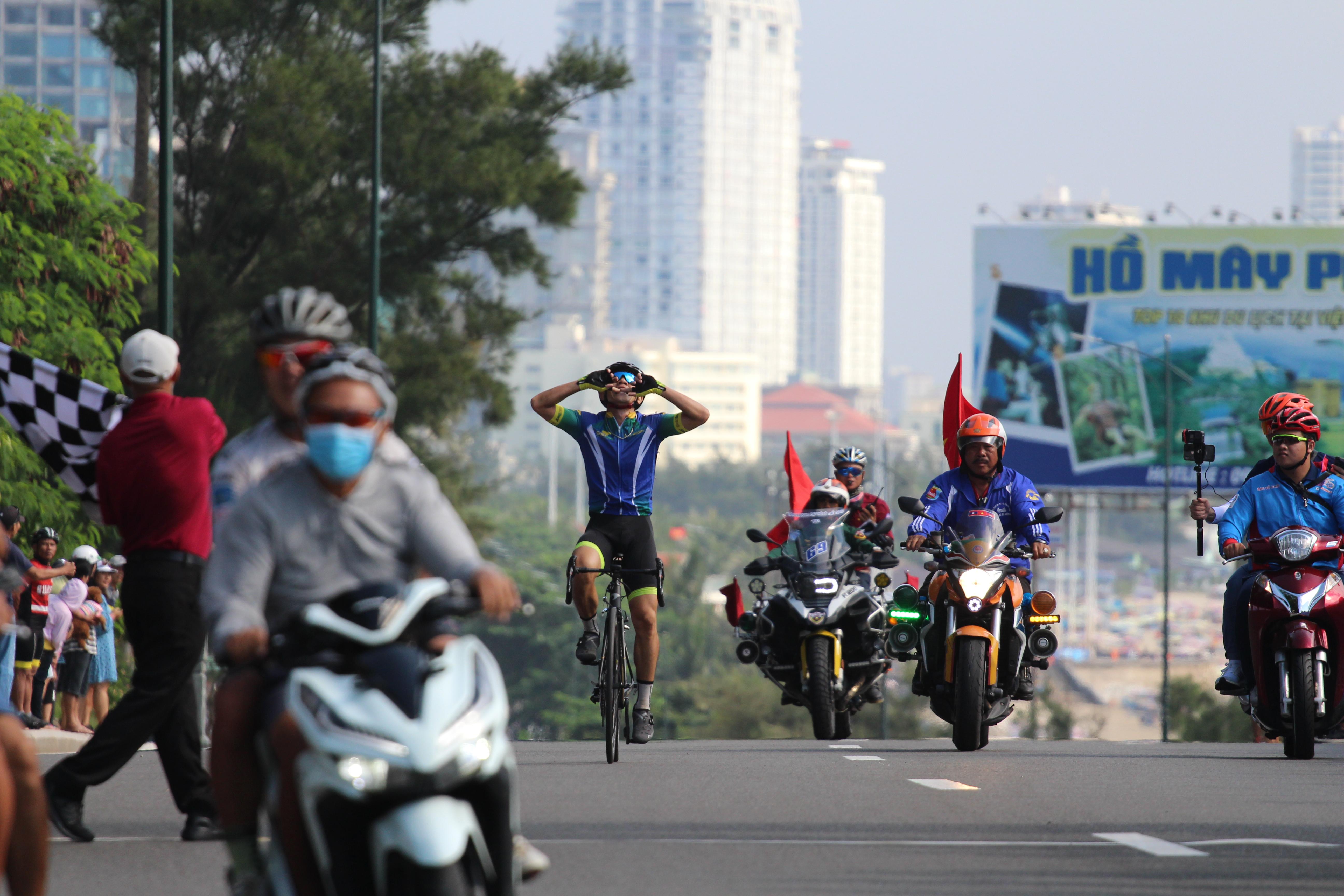 Hình ảnh: Sôi động giải đua xe đạp tỉnh Bà Rịa - Vũng Tàu mở rộng 2020 số 4