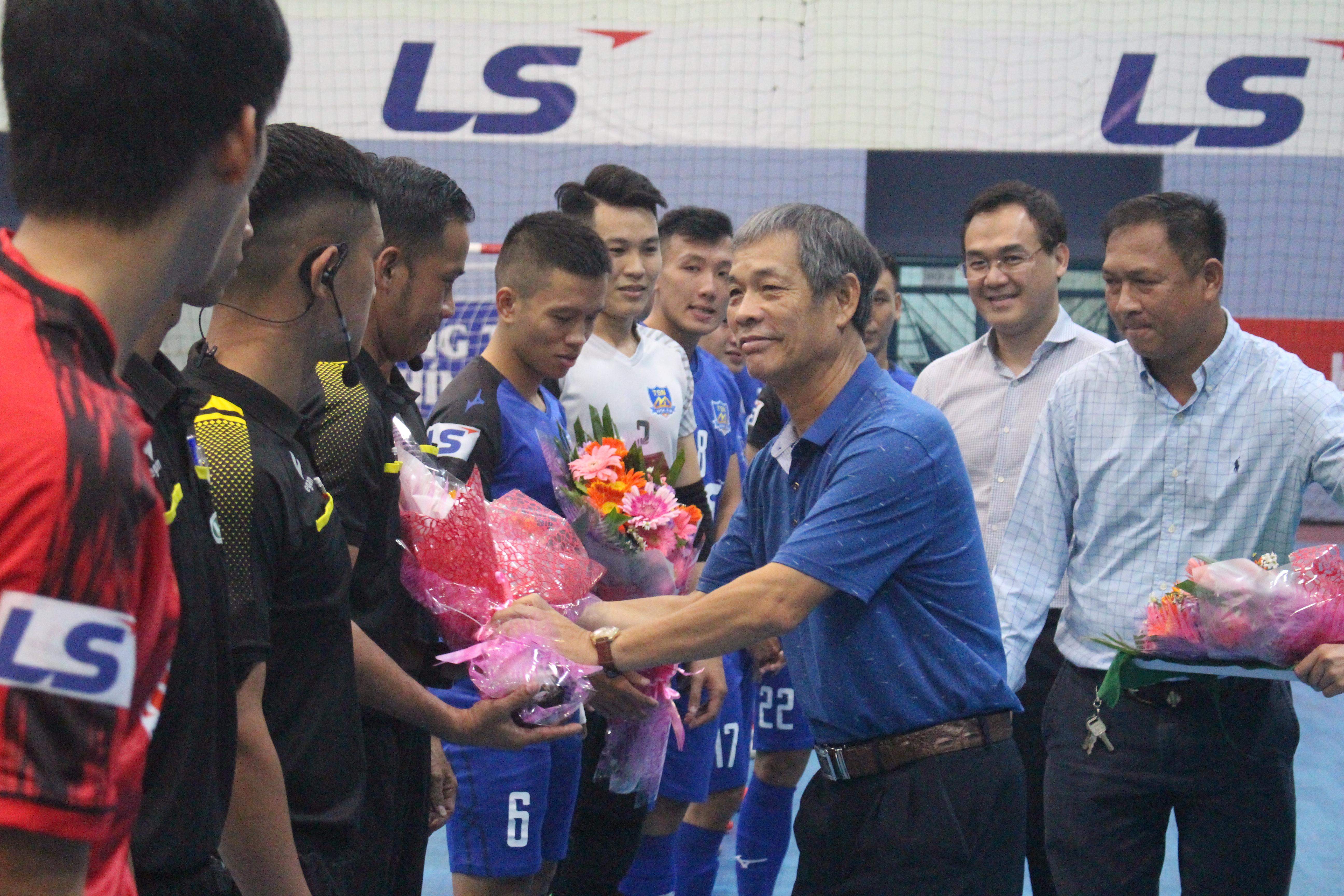 Hình ảnh: Giải Futsal TPHCM Mở rộng Năm 2020 - Cúp LS lần thứ 14: Hấp dẫn ngày khởi tranh số 1