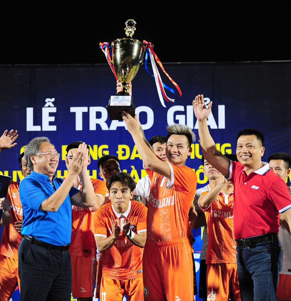 Hình ảnh: Bình Định vô địch giải bóng đá giao hữu tứ hùng - Cúp HTV 2020 số 3