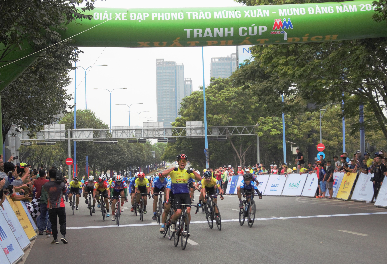 Hình ảnh: Sôi nổi giải xe đạp phong trào mừng Đảng - mừng Xuân Tân Sửu 2021 số 5