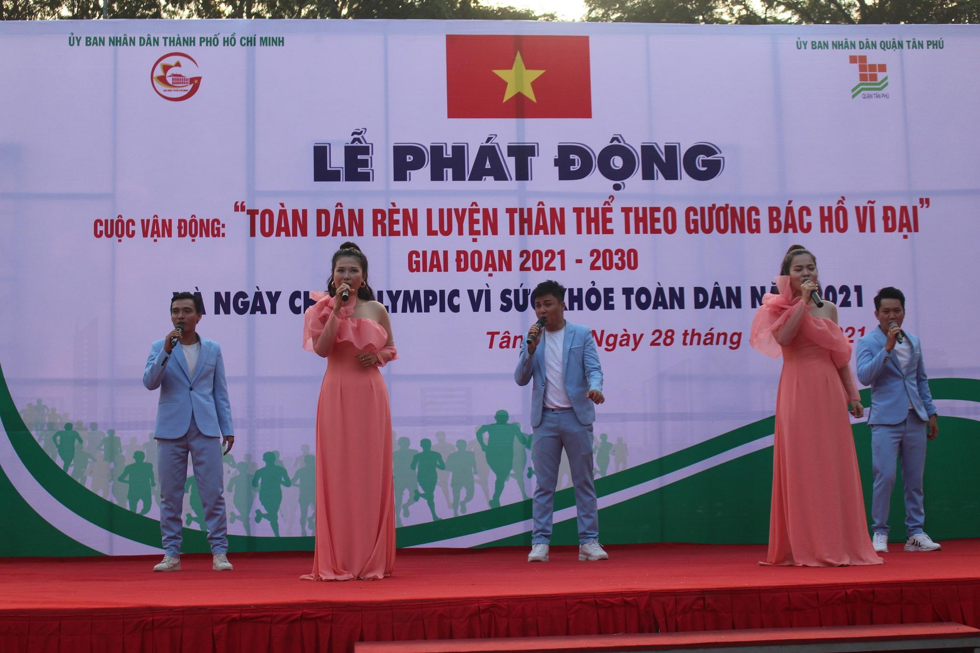 Hình ảnh: Quận Tân Phú: Hơn 1000 người tham dự ngày chạy Olympic vì sức khỏe toàn dân năm 2021 số 1