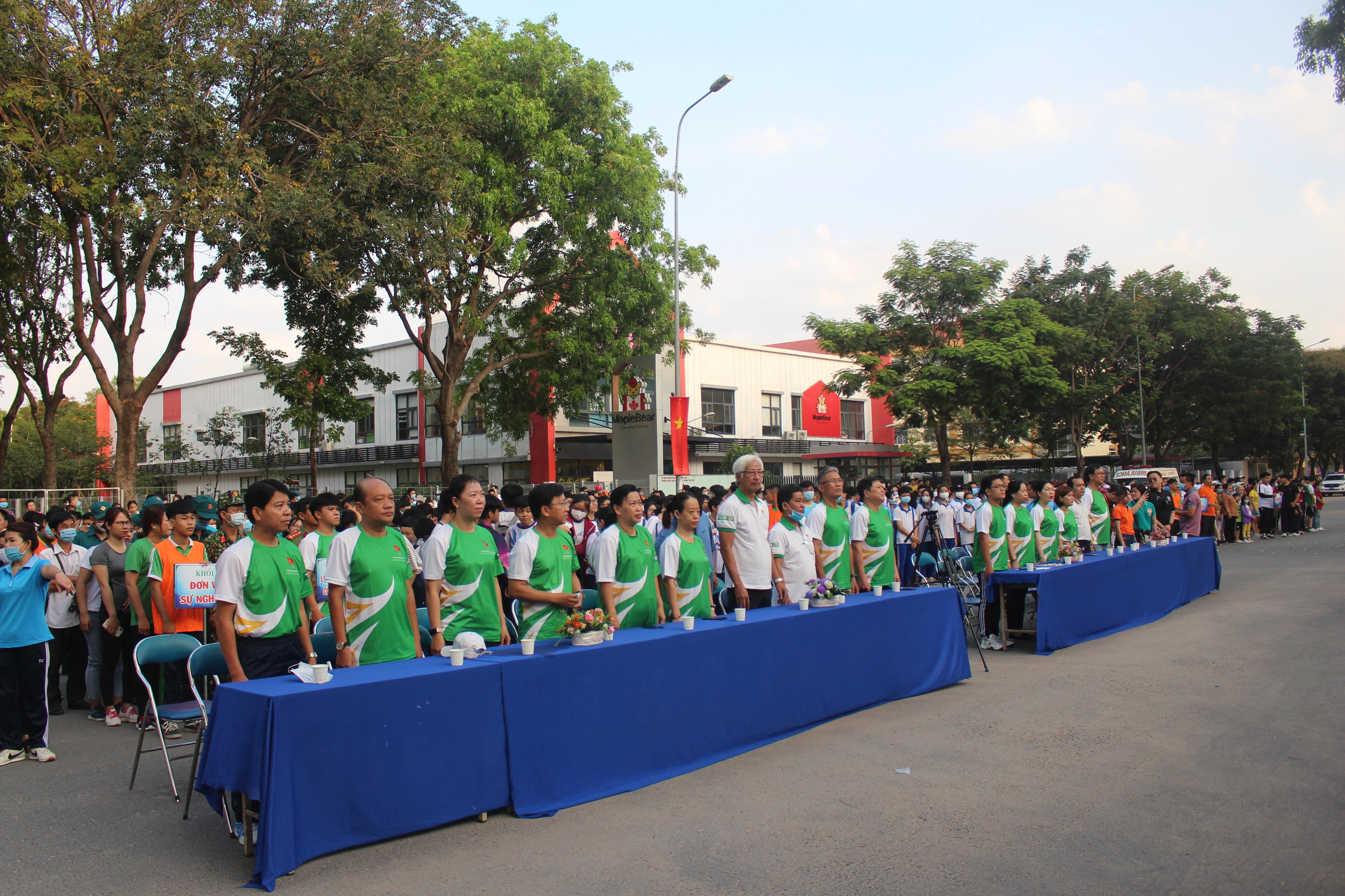 Hình ảnh: Quận Tân Phú: Hơn 1000 người tham dự ngày chạy Olympic vì sức khỏe toàn dân năm 2021 số 2