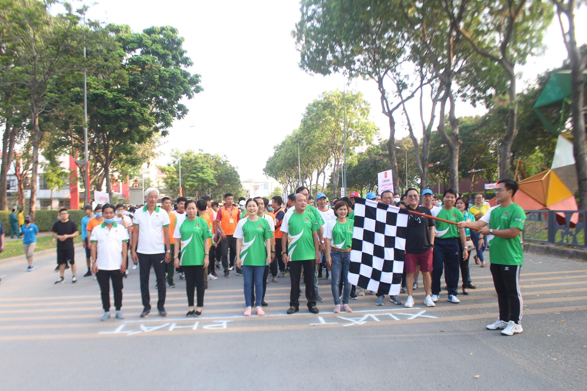 Hình ảnh: Quận Tân Phú: Hơn 1000 người tham dự ngày chạy Olympic vì sức khỏe toàn dân năm 2021 số 4