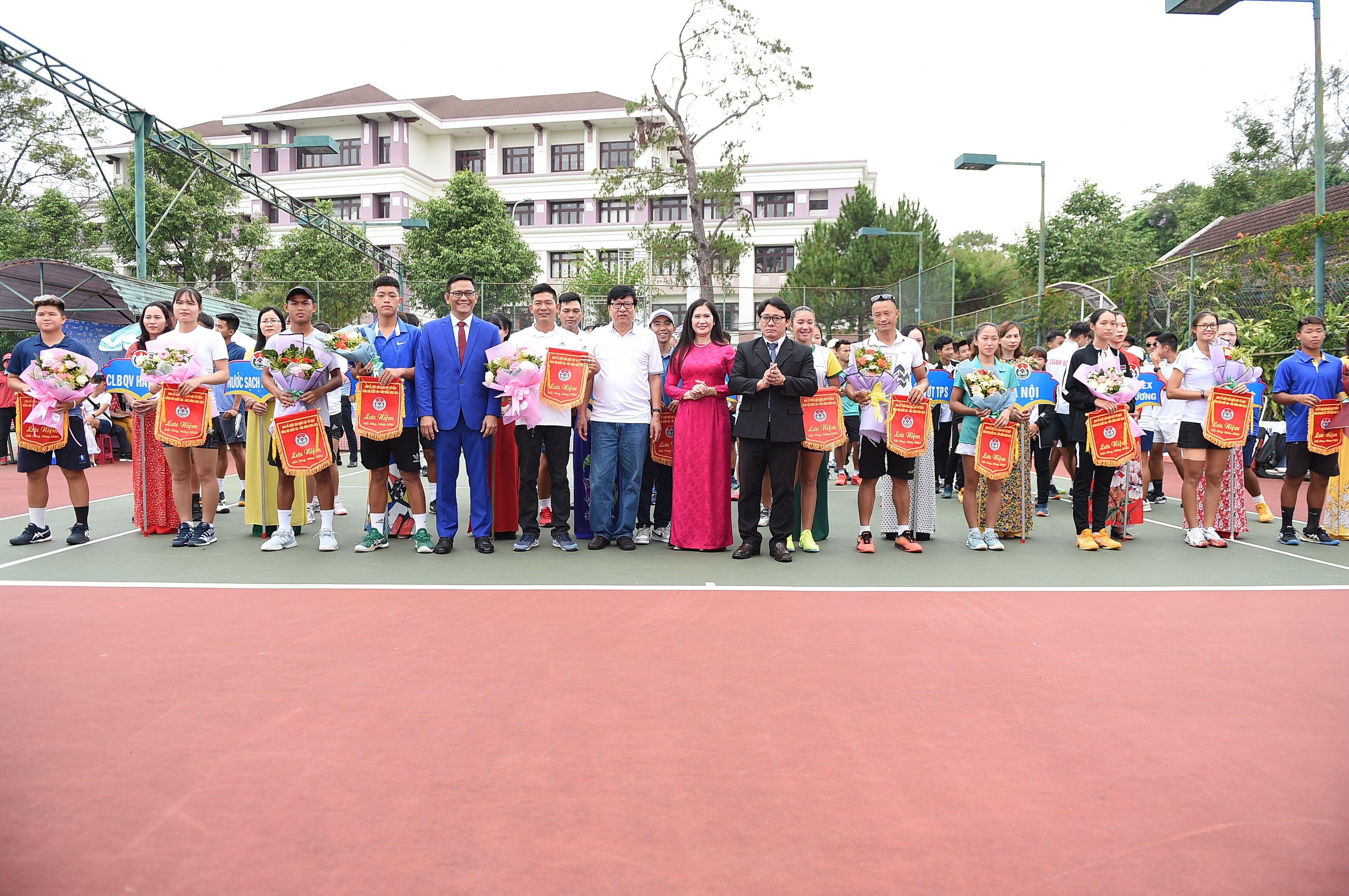 Hình ảnh: Giải quần vợt Vô địch Đồng đội Quốc gia – Đăk Nông 2021: TP.HCM khởi đầu thuận lợi số 2